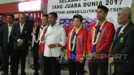 Sambutan Ganda Campuran Indonesia pemenang Kejuraan Dunia 2017 Glasgow, Tantowi Ahmad dan Liliyana Natsir di Bandara Soekarno-Hatta, Tangerang, Selasa (29/08/17).