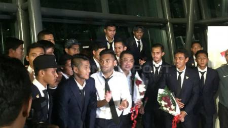 Penyambutan timnas u-22 di Bandara Soekarno-Hatta. - INDOSPORT