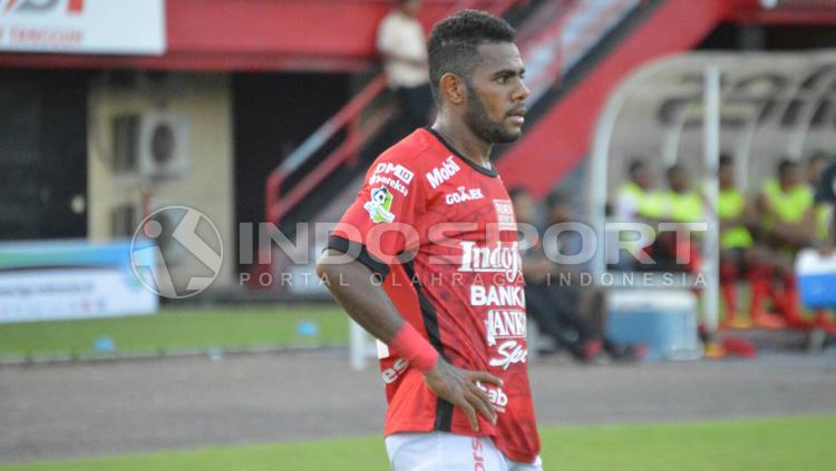 Yabes Roni, pemain Bali United. Copyright: Rudi Merta/INDOSPORT