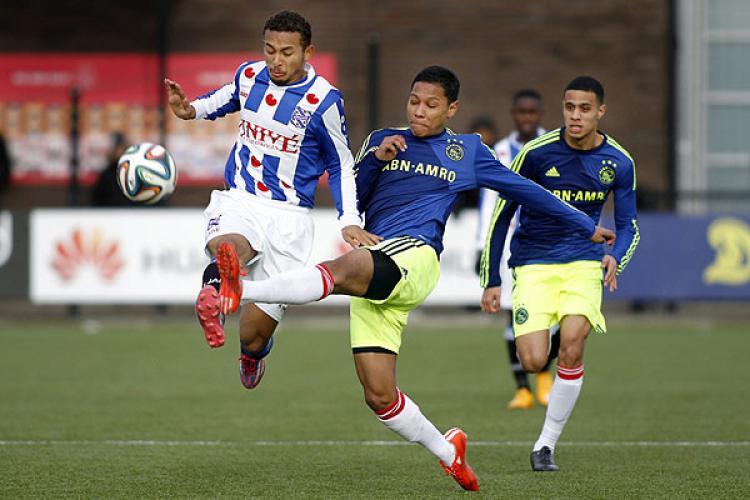 Darren Sidoel (Ajax). Copyright: indonesianeleven