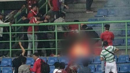 Suporter Timnas, Catur Yulianto yang tewas akibat terkena roket flare. - INDOSPORT