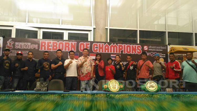 Preskon tinju WBC Internasional Copyright: Petrus Manus DaYerimon/Indosport.com