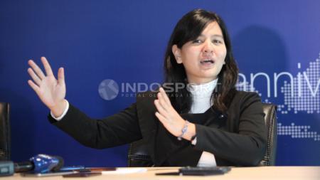 Ratu Tisha saat berkomentar di konferensi pers. - INDOSPORT