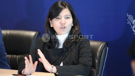Sekretaris Jenderal PSS, Ratu Tisha dalam jumpa konferensi pers. - INDOSPORT