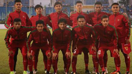 Timnas U-19 saat melawan Myanmar di laga perdana Grup B Piala AFF U-18 2017. - INDOSPORT