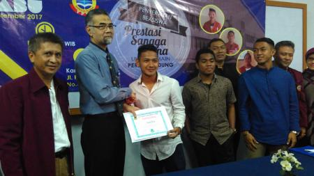 Tiga pemain Persib Bandung dapatkan beasiswa. - INDOSPORT