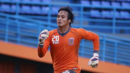 Penjaga Gawang Borneo FC, Muhammad Ridho Djazulie. - INDOSPORT