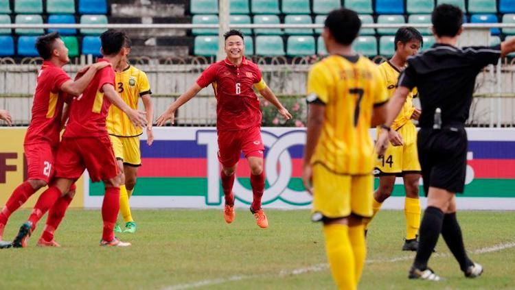 Selebrasi pemain Timnas Vietnam U-19 usai bantai Brunei. Copyright: Twitter@AFFPresse
