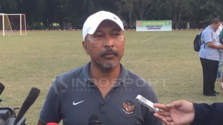 Pelatih Timnas Indonesia U-16, Fachry Husaini. - INDOSPORT