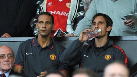 Rio Ferdinand dan Gary Neville. - INDOSPORT