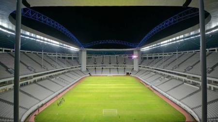Stadion Batakan, Balikpapan tempat berlangsungnya laga Shopee Liga 1 2019 antara Persebaya vs PSM Makassar pada Kamis (14/11/2019) sore. - INDOSPORT