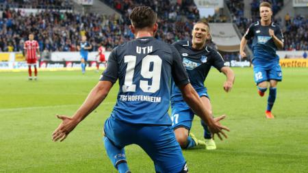 Mark Uth mencetak brace untuk kemenangan Hoffenheim atas Bayern Munchen. - INDOSPORT