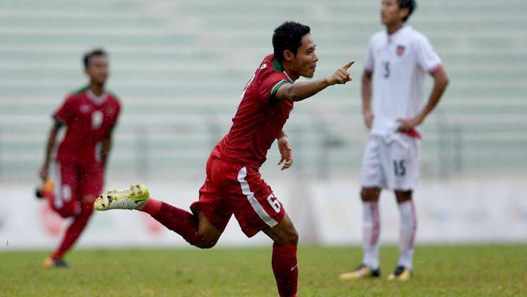 Evan Dimas Darmono saat melakukan selebrasi usai cetak gol ke gawang Myanmar. Copyright: Twitter