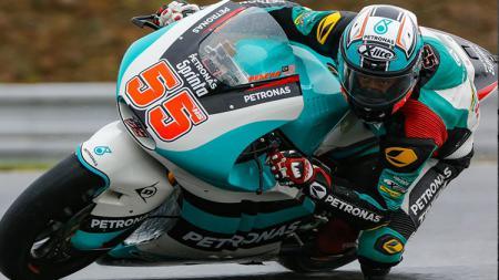 Hafizh Syahrin berhasil merebut podium saat balapan Moto 2 2017 di San Marino. - INDOSPORT