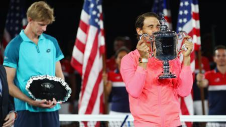 Rafael Nadal mengalahkan Kevin Anderson untuk meraih gelar AS Terbuka 2017. - INDOSPORT