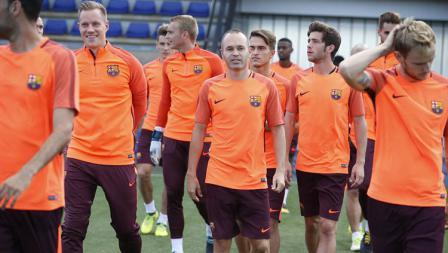 Skuat Barcelona di sesi latihan melawan Juventus