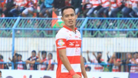 Pemain Madura United, Slamet Nurcahyo. - INDOSPORT