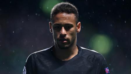 Neymar Jr ternyata bukan pemain yang gajinya termahal. Ada lagi di atasnya, lho. - INDOSPORT
