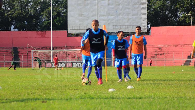 Latihan tim Semen Padang di Stadion H. Agus Salam, Padang. Copyright: Taufik Hidayat/INDOSPORT