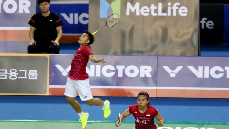 Greysia Polii/Apriani Rahayu di babak kedua Korea Open 2017. Copyright: Humas PBSI