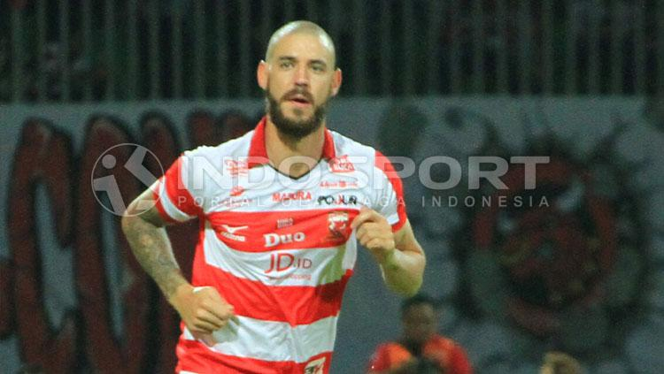 Dane Milovanovic, pemain Madura United. Copyright: Ian Setiawan/INDOSPORT
