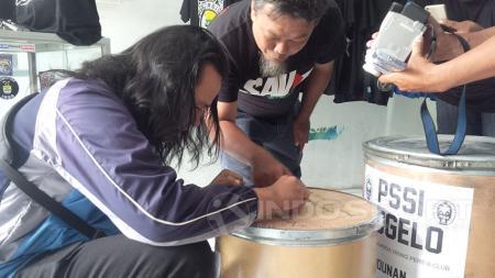 Partisipasi aksi Koin Untuk PSSI - INDOSPORT
