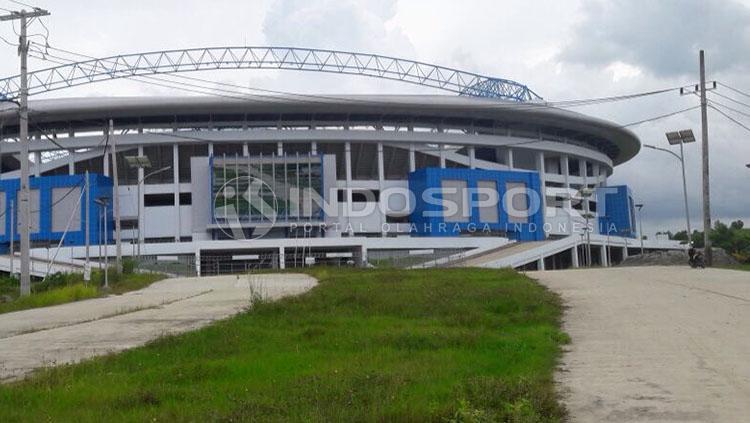Pembangunan Stadion Batakan tertunda karena kendala anggaran. Copyright: Indosport/Teddy Rumengan