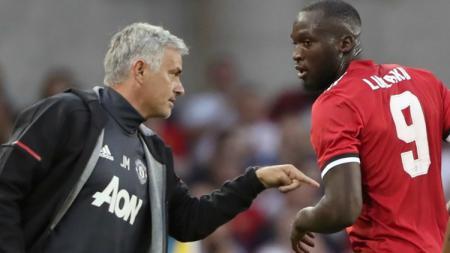 Romelu Lukaku dan Jose Mourinho. - INDOSPORT