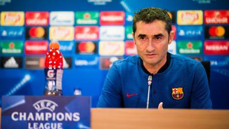 Ernesto Valverde terkesan dengan penampilan Lionel Messi saat Barcelona vs Inter Milan, meski sang pemain belum sepenuhnya fit. - INDOSPORT