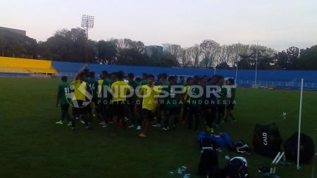 Sriwijaya FC saat sedang latihan. - INDOSPORT