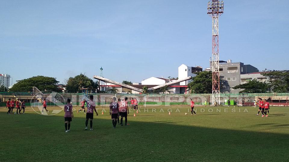 PSM Makassar saat sedang latihan. Copyright: Muhammad Nur Basri/INDOSPORT