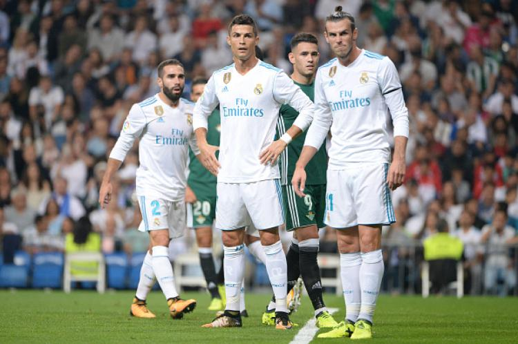 Cristiano Ronaldo dan Gareth Bale, dua pemain termahal Real Madrid yang dibuat tak berkutik saat melawan Real Betis. Copyright: INDOSPORT
