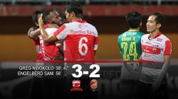 Hasil pertandingan Madura United vs Sriwijaya FC.