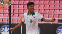 Indosport - Sutan Zico selebrasi usai membobol gawang Laos.