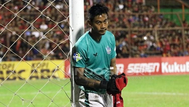 Kiper Gresik United, Satria Tama. Copyright: Muhammad Nur basri/INDOSPORT
