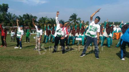 Pembukaan Gala Desa Jambi diikuti dengan olahraga senam. - INDOSPORT