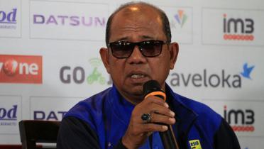 Emral Abus, Sang 'Guru Besar' Penyelamat Klub Liga Indonesia di Asia