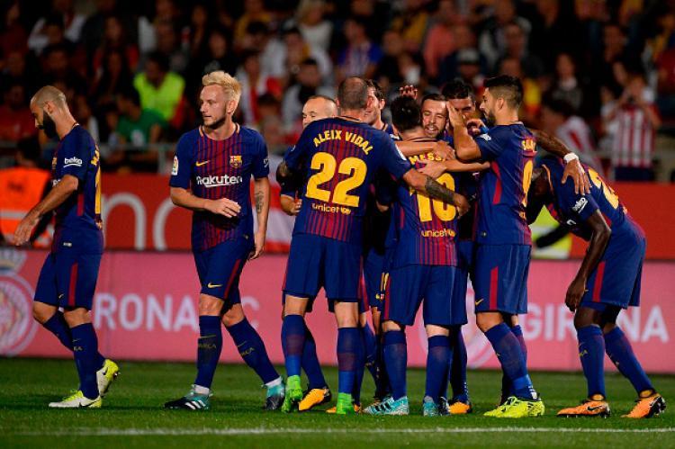Selebrasi Barcelona usai mendapatkan gol pertama dari Girona. Copyright: INDOSPORT