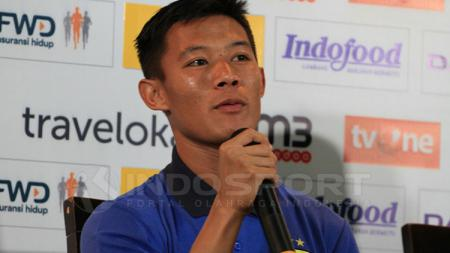 Bek muda Persib Bandung, Henhen Herdiana. - INDOSPORT