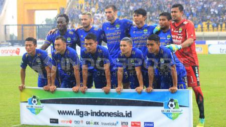 Skuat Persib Bandung di laga melawan Bhayangkara FC. - INDOSPORT