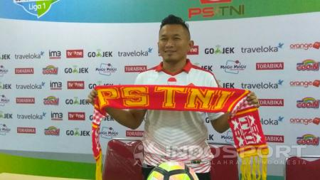 Rudy Eka Priambada saat pertama kali diperkenalkan sebagai pelatih PS TNI. - INDOSPORT