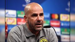 Indosport - Peter Bosz, pelatih Borussia Dortmund.
