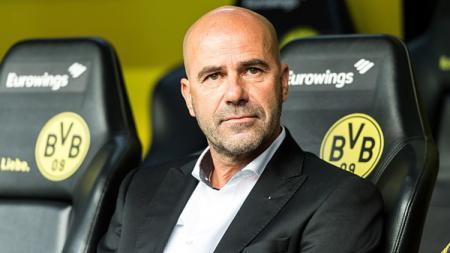 Peter Bosz, pelatih Borussia Dortmund. - INDOSPORT