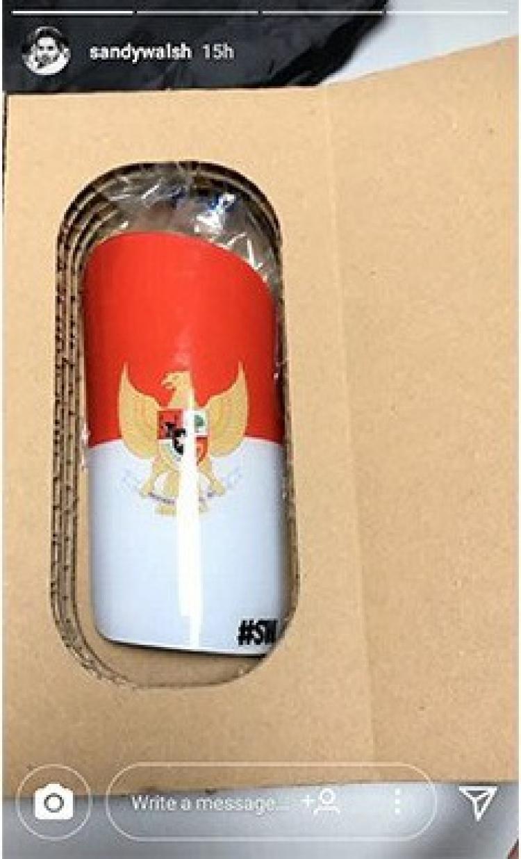Sandy Walsh pamerkan deker bergambar Garuda Pancasila Copyright: Instagram.com/sandywalsh