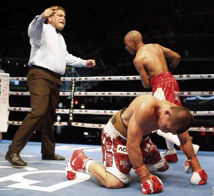 Chris John kalah dari Simpiwe Vetyeka. Copyright: boxingscene.com
