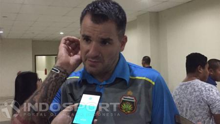 Simon McMenemy, pelatih Bhayangkara FC. - INDOSPORT