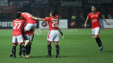 Selebrasi pemain Persija Jakarta atas gol kedua yang dicetak Rezaldi Hehanusa. Herry Ibrahim/INDOSPORT - INDOSPORT
