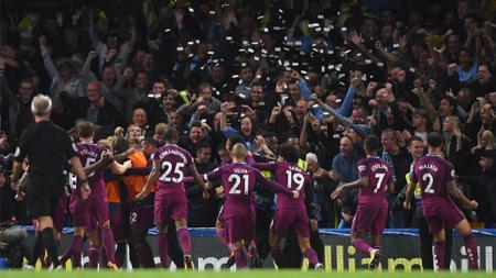Para pemain Manchester City melakukan selebrasi usai Kevin De Bruyne mencetak gol. - INDOSPORT