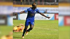 Indosport - Ezechiel merayakan gol