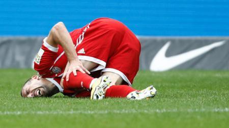 Frank Ribery mengalami cedera saat bertandang ke Hertha Berlin, di menit 62. - INDOSPORT